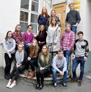 Storjuryen: To elever fra syv forskjellige skoler rundt omkring i Norge skal avgjøre hvem som vinner Ungdommens kritikerpris 2015. Foto: Vibeke Røgler/Foreningen !les.